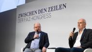 Was darf Satire? Was dürfen Karikaturen? - die Karikaturisten Greser&Lenz (links Achim Greser, rechts Heribert Lenz) im Gespräch mit F.A.Z.-Redakteur Reinhard Müller.