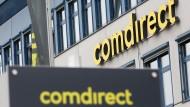 Logo von Comdirect an dem Sitz der Bank in Quickborn