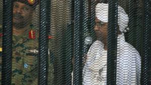 Sudan überstellt ehemaligen Staatschef an Den Haag