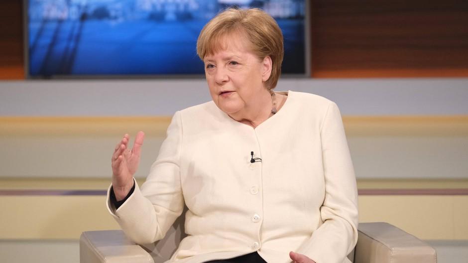 """Bundeskanzlerin Angela Merkel am 28. März 2021 in der Sendung """"Anne Will""""."""