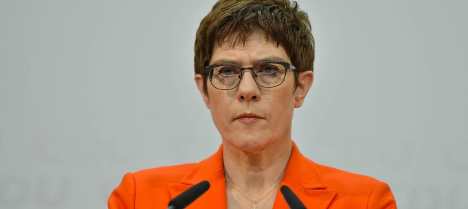 Kündigt im Zuge der Thüringen-Krise ihren Rücktritt an: CDU-Chefin Annegret Kramp-Karrenbauer