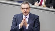 Pfeiffer während einer Plenarsitzung im Bundestag im Dezember 2020