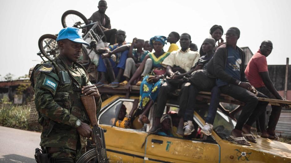 Ein MINUSCA-Soldat am 23. Januar 2021 auf dem Weg ins zentralafrikanische Damara.