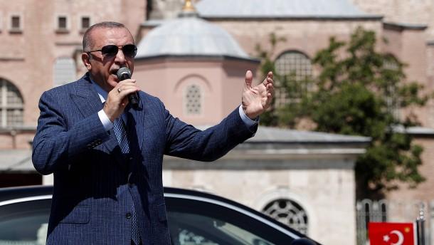 Darum braucht Erdogan einen Anker in stürmischen Zeiten