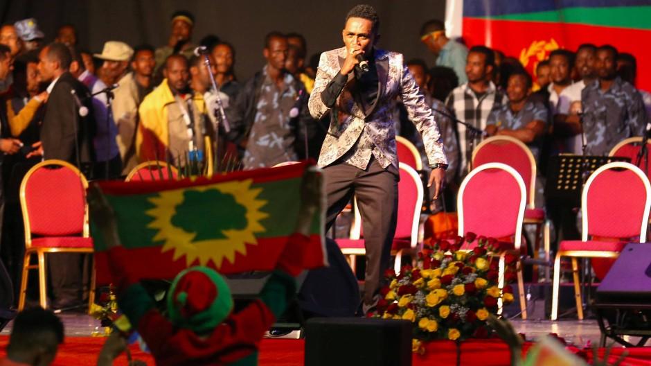 Der bekannte Sänger Hachalu Hundessa im Juli 2018 bei einem Konzert in Addis Abeba.