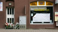 Das Internetcafé in Kassel ein paar Tage nachdem der Besitzer Halit Yozgar ermordet wurde.