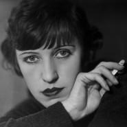 Die berühmtere der beiden Schwestern verlegte sich auf Künstlerporträts: Lotte Lenya, von Lotte Jacobi, Berlin 1928.