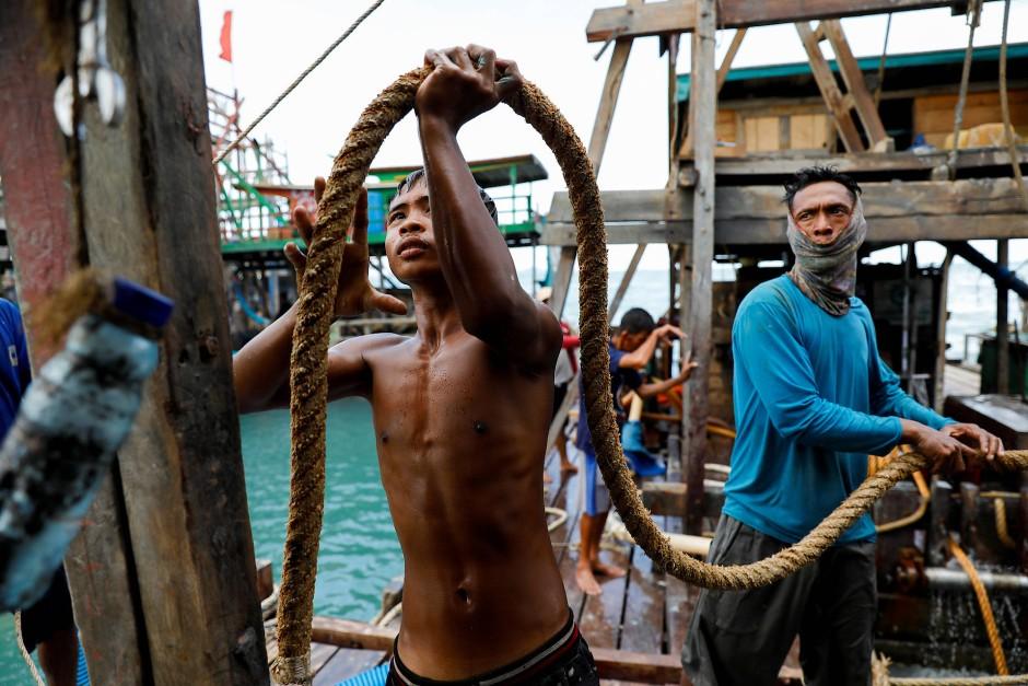 Viele junge Menschen hoffen auf gutes Geld auf dem Meer.