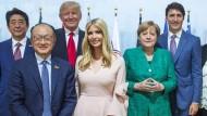 Ivanka Trump inmitten der Regierungschefs bei dem G-20-Gipel in Hamburg