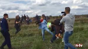 Kamerafrau nach Tritten gegen Flüchtlinge verurteilt