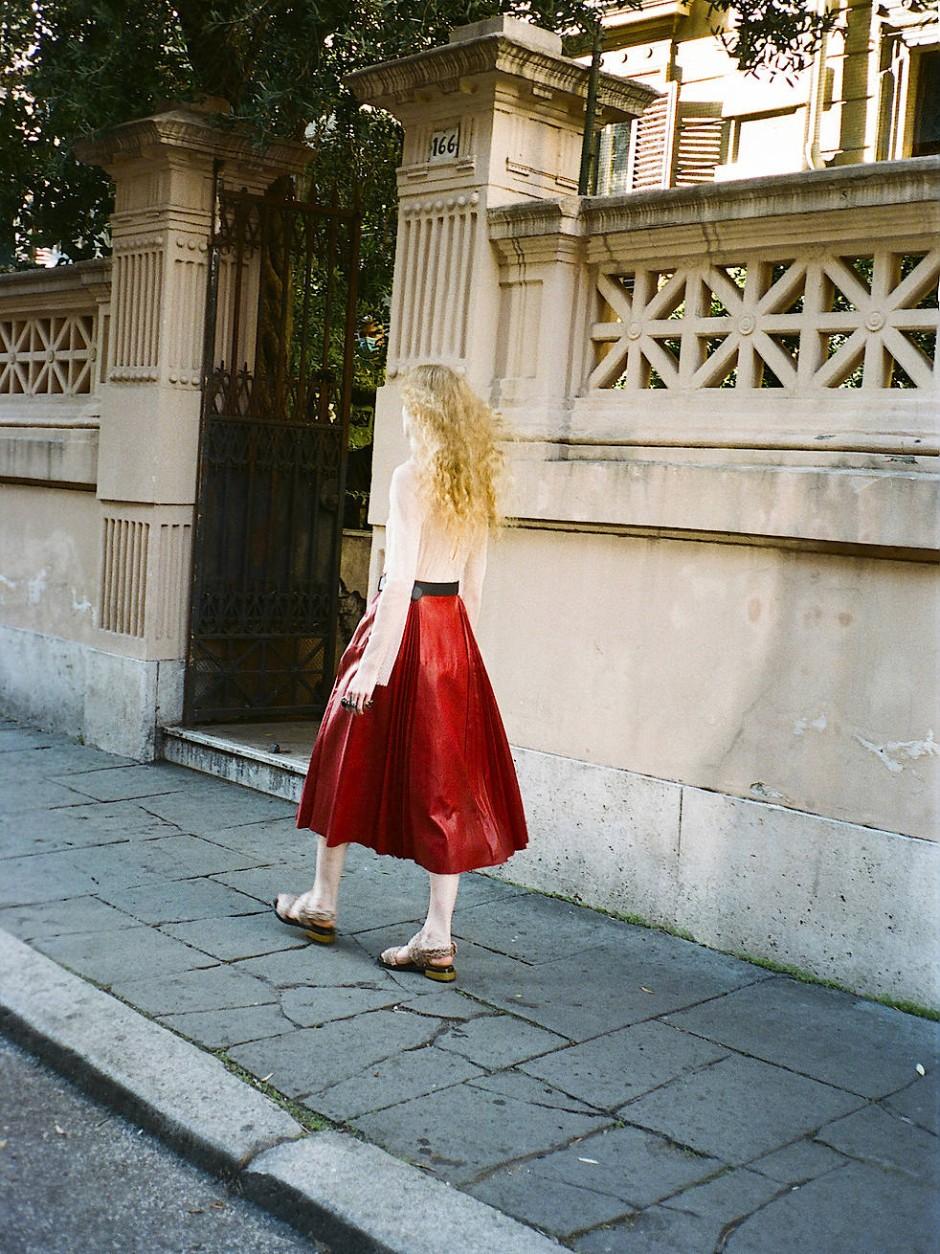 Michele engagierte fürs das Projekt Models, die seine Entwürfe beiläufig tragen.