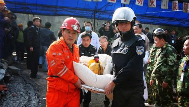 Rettung in China, Bangen in Neuseeland