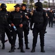 Einsatzkräfte vor dem Gefängnis in Monterrey.