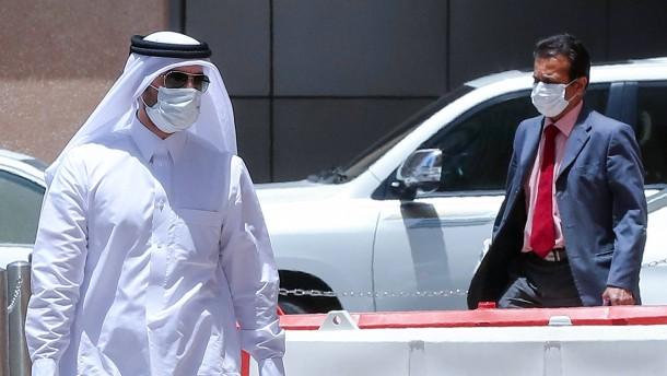 Bis zu drei Jahre Haft bei Verstößen gegen Maskenpflicht in Qatar