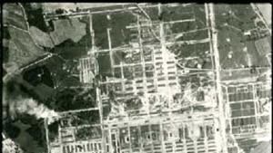 Die Luftaufnahme der Vernichtung