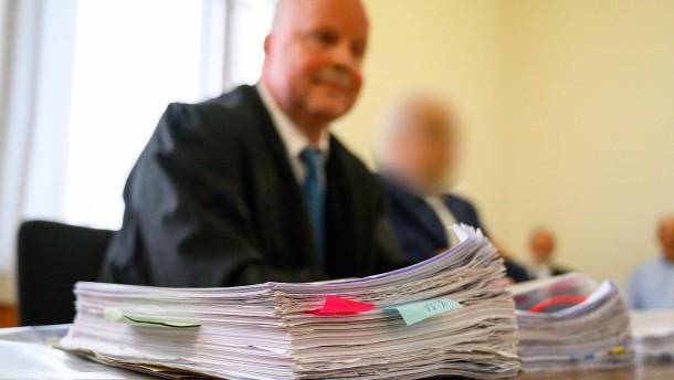 Von Organspendeskandal freigesprochener Arzt will 1,2 Millionen Euro