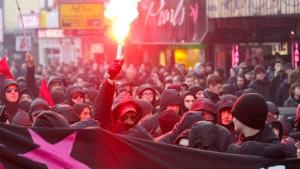 Demonstrationen verlaufen weitgehend friedlich