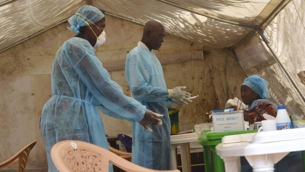 Ein Ebola-Ausbruch ohne Beispiel