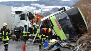 Unfälle und Verkehrschaos nach Blitzeis