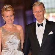 Ein Neffe des belgischen Königs Philippe (rechts) ist nach einer Familienfeier positiv auf das Coronavirus getestet worden.