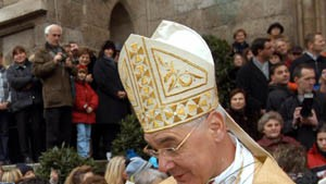 Regensburger Bischof löst Feueralarm aus