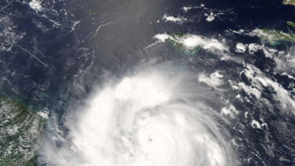 """Monstersturm """"Felix"""" erreicht Nicaragua"""