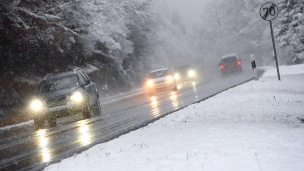 Unfälle und liegengebliebene Lastwagen