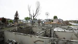 Tausende kehren nach Waldbränden nach Hause zurück