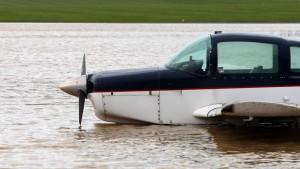 Vier Tote und etliche Verletzte nach schweren Stürmen
