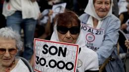 Hohe Strafen für Junta-Mitglieder