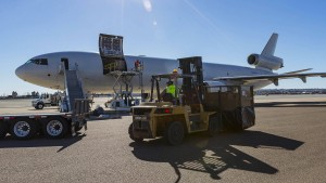 Leiche in Frachtflugzeug aus München – Crew festgenommen