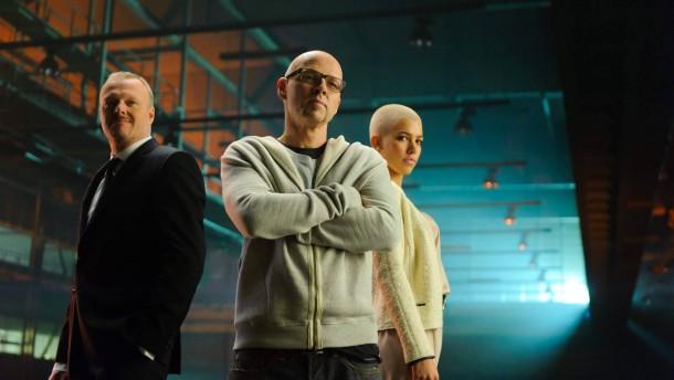 Jury-Präsident Thomas D mit Alina Süggeler und Stefan Raab
