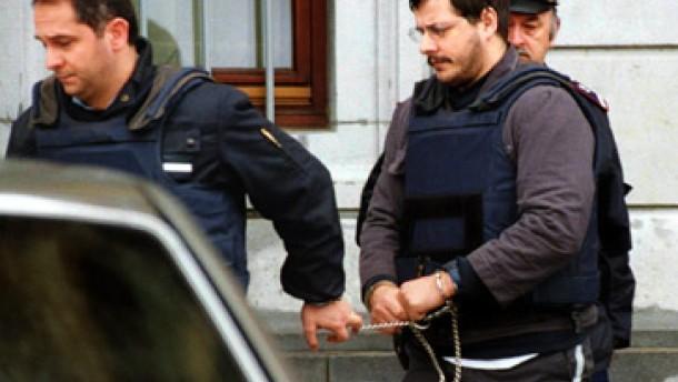 Geschworene sprechen Dutroux des dreifachen Mordes schuldig