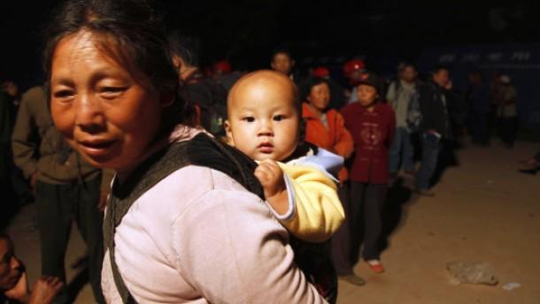 18.000 Häuser nach Erdbeben eingestürzt