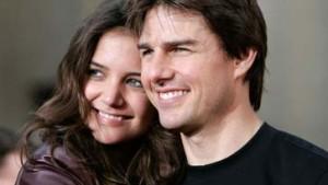 Tom Cruise macht Katie Holmes zur Scientologin