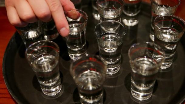 Mindestens 17 Menschen an gepanschtem Alkohol gestorben