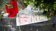 Anfang Mai starb Niklas P. nach einer Prügelattacke, die Trauer in Bad Godesberg ist noch Wochen später groß.