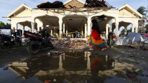 Zehntausende durch Erdbeben in Indonesien obdachlos