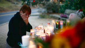 """Newtown trauert: """"Wir beten für Euch"""""""