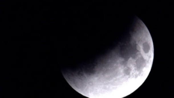Als der Erdschatten den Mond verdeckte