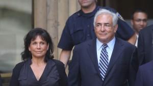 DSK verlässt New York  in Windeseile