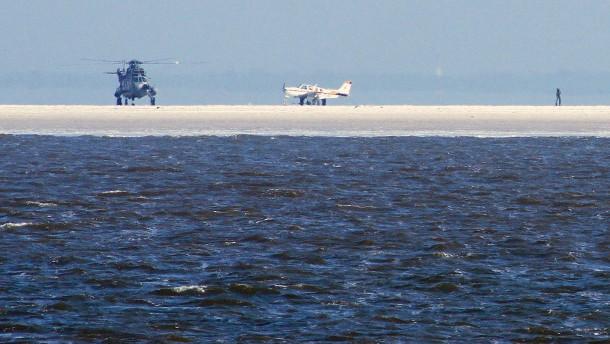 Privatflugzeug auf Sandbank notgelandet