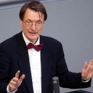 """Der SPD-Bundestagsabgeordnete Karl Lauterbach sagt: """"Wir werden auch noch mal über eine große Koalition nachdenken müssen"""" (Archivaufnahme)."""