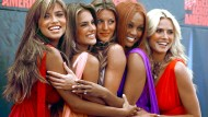 Gisèle Bündchen (Mitte) vor 12 Jahren mit ihren Supermodel-Kolleginnen Adriana Lima, Alessandra Ambrosio, Tyra Banks und Heidi Klum (von links nach rechts). Damals wie heute ist Bündchen das Model, das weltweit am meisten verdient.