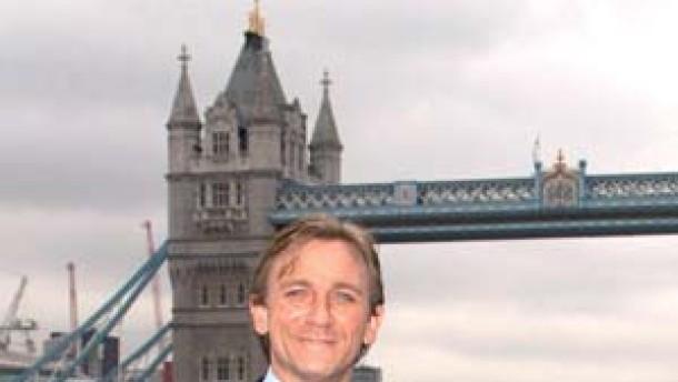 Mama hat's verraten: Daniel Craig wird Bond, James Bond