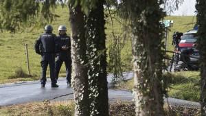 Großfahndung nach Mann, der bei Graz zwei Menschen erschossen hat