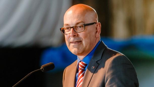 Albig will Flüchtlinge sofort ins Berufsleben eingliedern