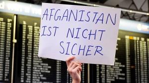 Abschiebeflug aus Deutschland in Kabul erwartet