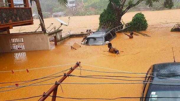 Mehr als 300 Tote durch Überflutungen in Sierra Leone