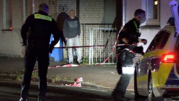Mann soll in Delmenhorst 23-Jährigen getötet und Frau verletzt haben